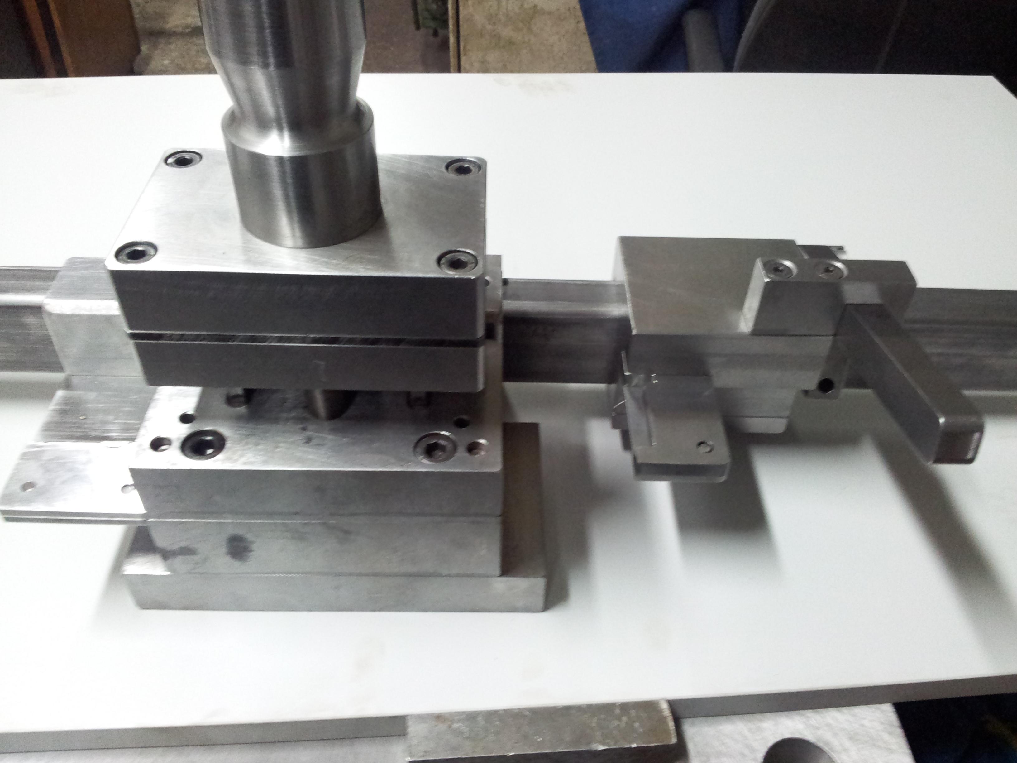 Bardzo dobry Wykrojniki » Pracownia Konstrukcyjna Narzędzi Ślusarstwo EO41